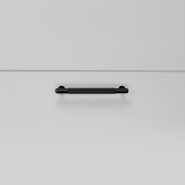 PULL BAR / LINEAR / BLACK