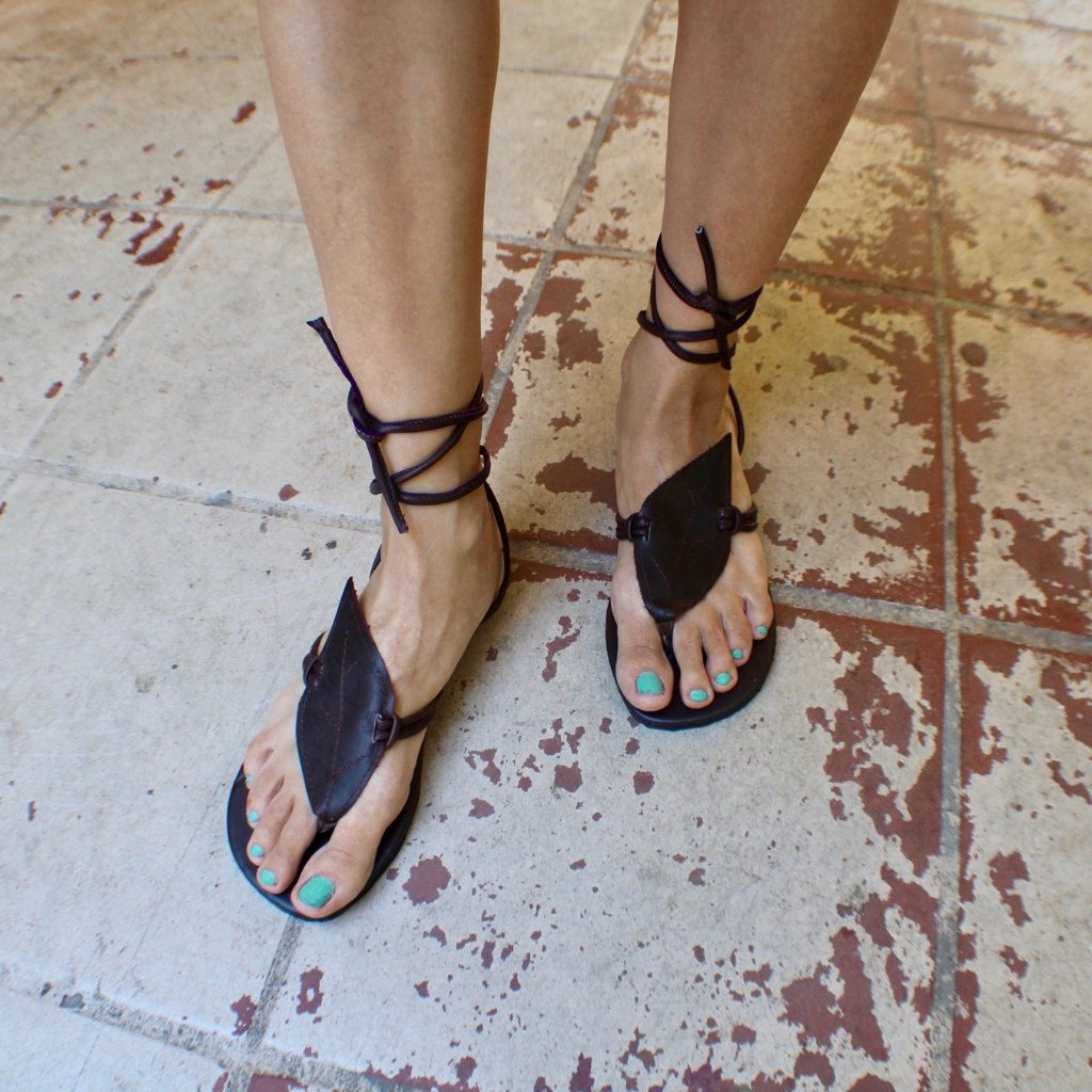 Hand Made Leather Toothed Leaf Sandals - Tuk Tuk Sandals