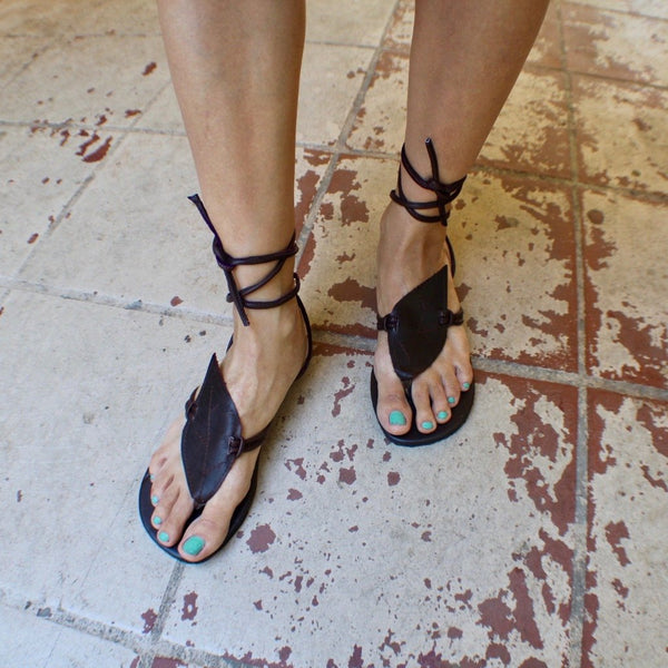 TukTuk Hand Made Leather Toothed Leaf Sandals