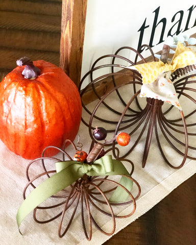Small Rustic Wire Pumpkin