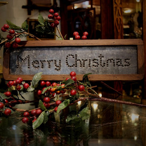 "Tin ""Merry Christmas"" Sign (LEO Design)"
