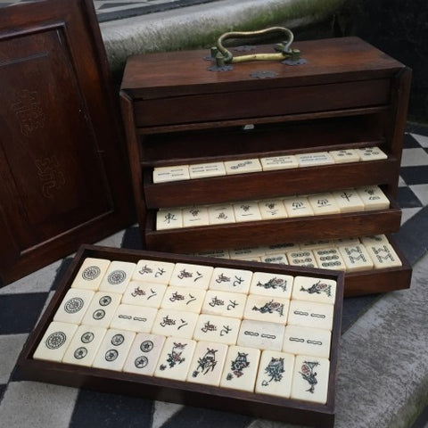 Chinese Mah-Jong Game Set (LEO Design)