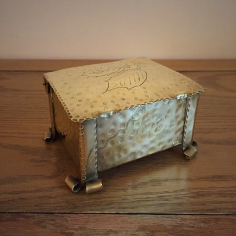English Arts & Crafts Hammered Brass Cigarette Box with Holly Motif (LEO Design)