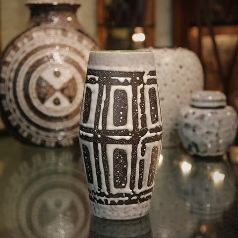 Jasba Tribal Modern Vase with Collection of Warm Neutral Ceramics (LEO Design)