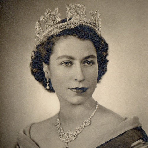 A Portrait of Her Majesty, The Queen (LEO Design)