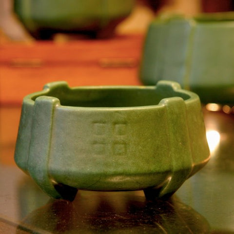 Weller Arts & Crafts Matte Green Pottery Bowl (LEO Design)