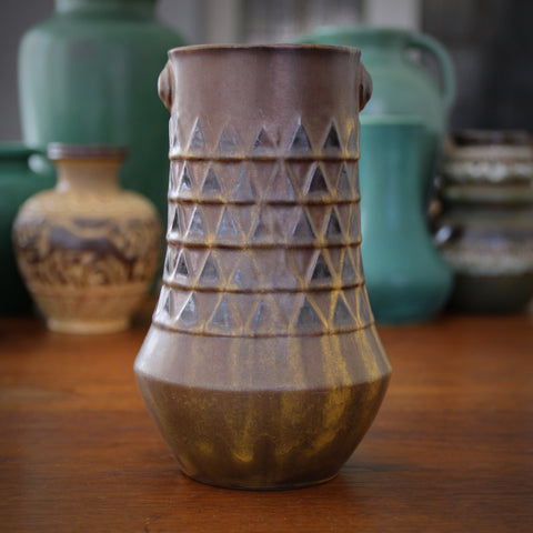 "Ceramano ""Minerva"" Vase with Triangular Relief and Curry Glazing (LEO Design)"