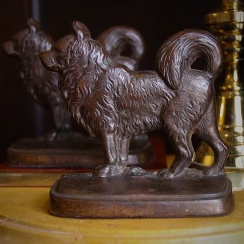 "Nicely-Cast Iron ""Chow Chow"" Bookends (LEO Design)"