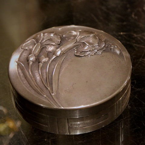 French Art Nouveau Pewter Dresser Box with Carnation Decoration (LEO Design)
