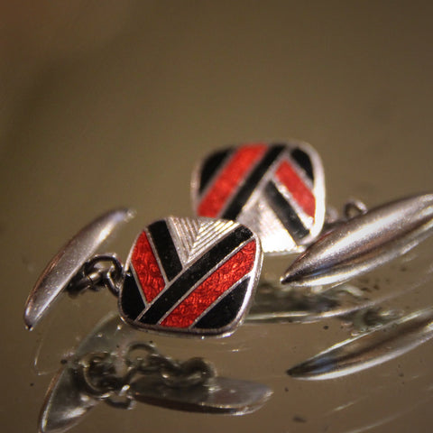 "English Art Deco Red & Black Enameled ""Victory"" Cufflinks (LEO Design)"