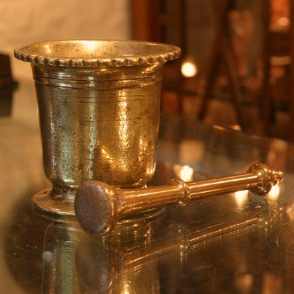 Georgian English Heavy Brass Mortar & Pestle (LEO Design)