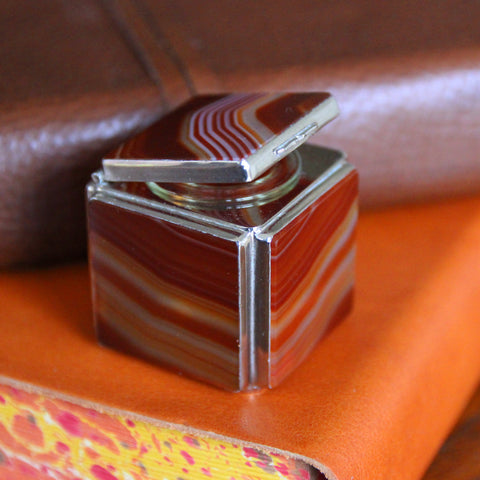 Edwardian Scottish Sardonyx Inkwell with Hinged Lid (LEO Design)