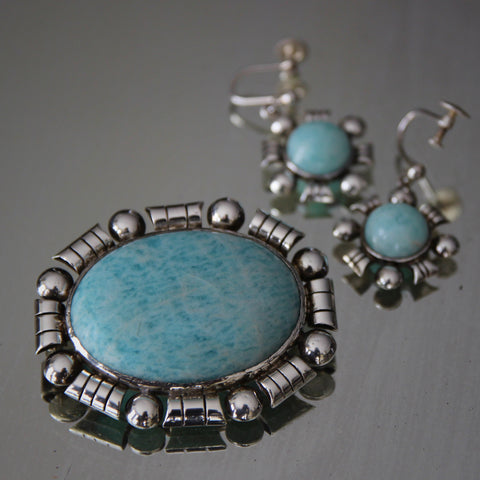 English Brooch and Earrings Suite with Polished Blue Marble Cabochons (LEO Design)