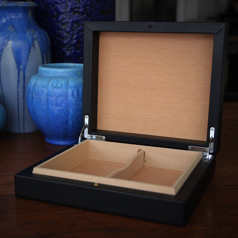Spanish Calfskin Humidor Box (for 12 to 18 cigars) with Spanish Cedar Lining (LEO Design)