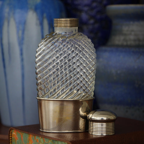 English Twenties Swirled-Glass Pocket Flask with Silver-Plated Mountings (LEO Design)