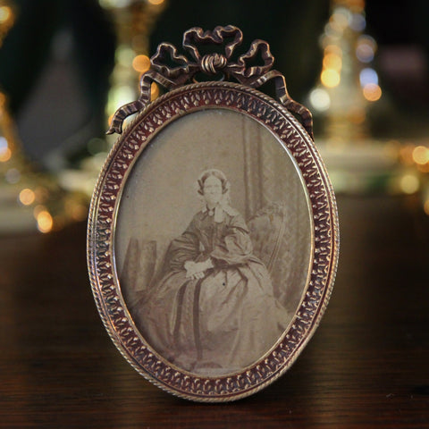 Victorian English Brass Oval Photo with Ribbon Topper (LEO Design)