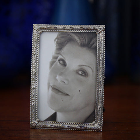 Cast Pewter Photo Frame (2x3) with Delicate Floral Decor (LEO Design)