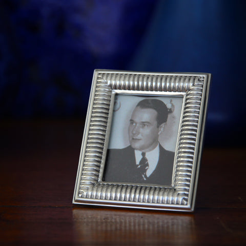 "Cast Pewter Photo (1.75""x2.25"") Frame with ""Heavy Spring"" Profile (LEO Design)"