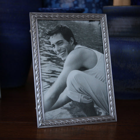 "Cast Pewter Photo Frame (5"" x 7"") with Rope Border (LEO Design)"