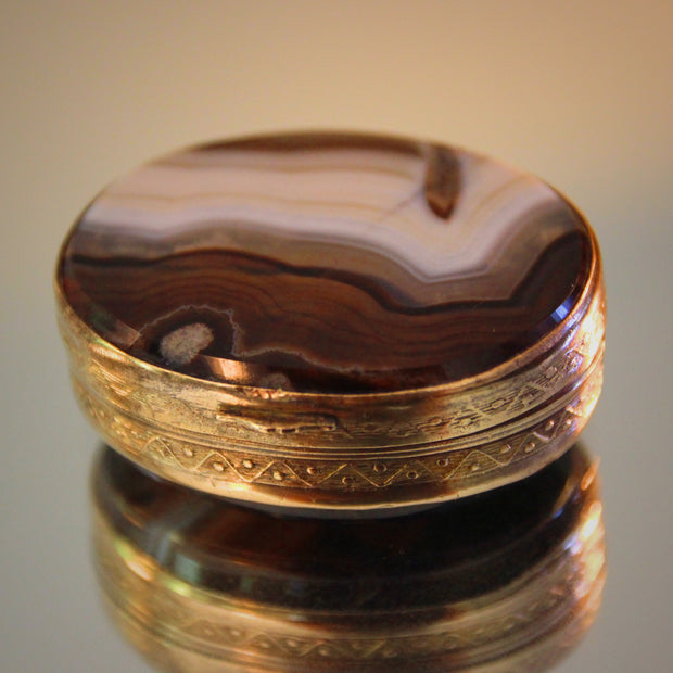 Bevelled Agate Pill Box