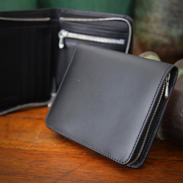 English Black Zippered Wallet
