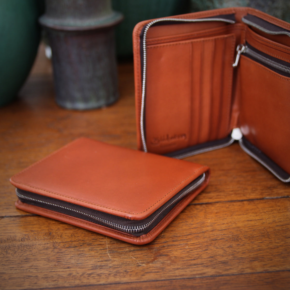 English Tan Zippered Wallet
