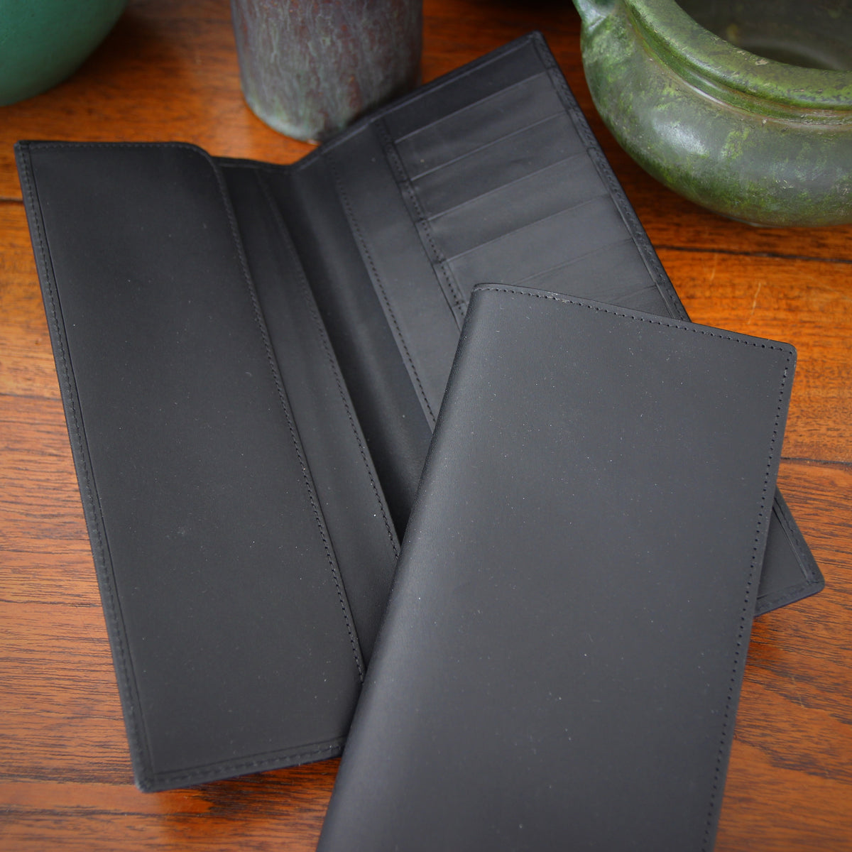 "English Black ""Travel Wallet"""