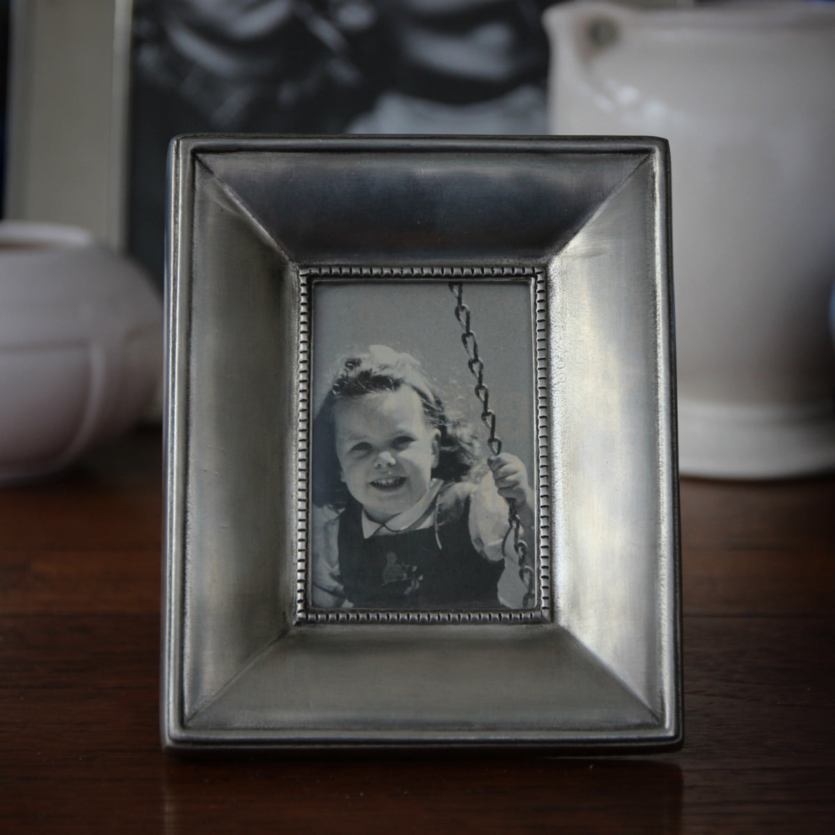 Italian Sand Cast Pewter Ogee Photo Frame 25 X 35 Leo Design