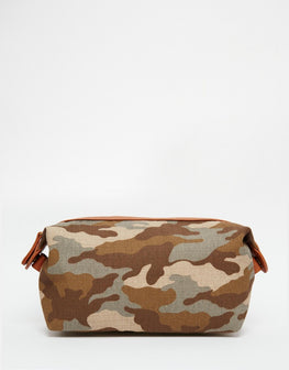 Wash Bag In Leather