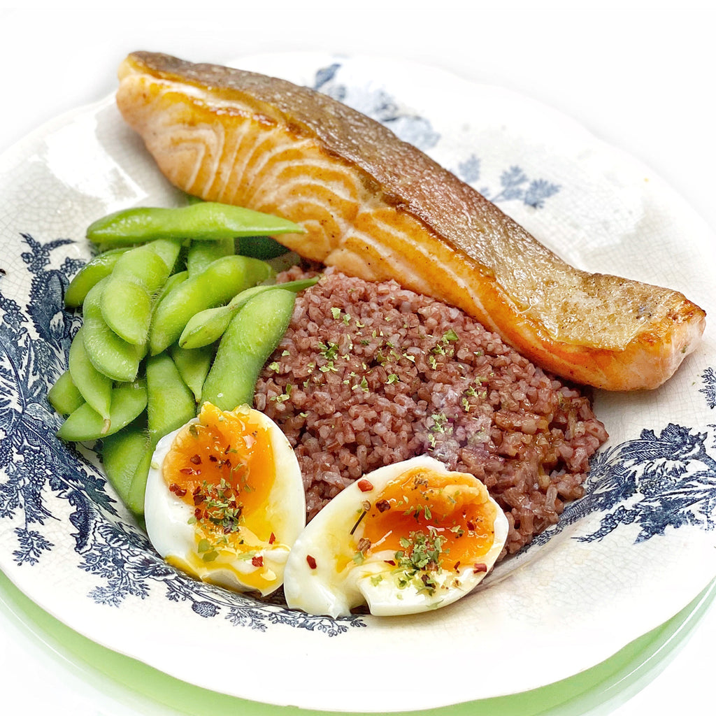 Healthy Seared Salmon, Edamame & Soft Egg Rice Bowl