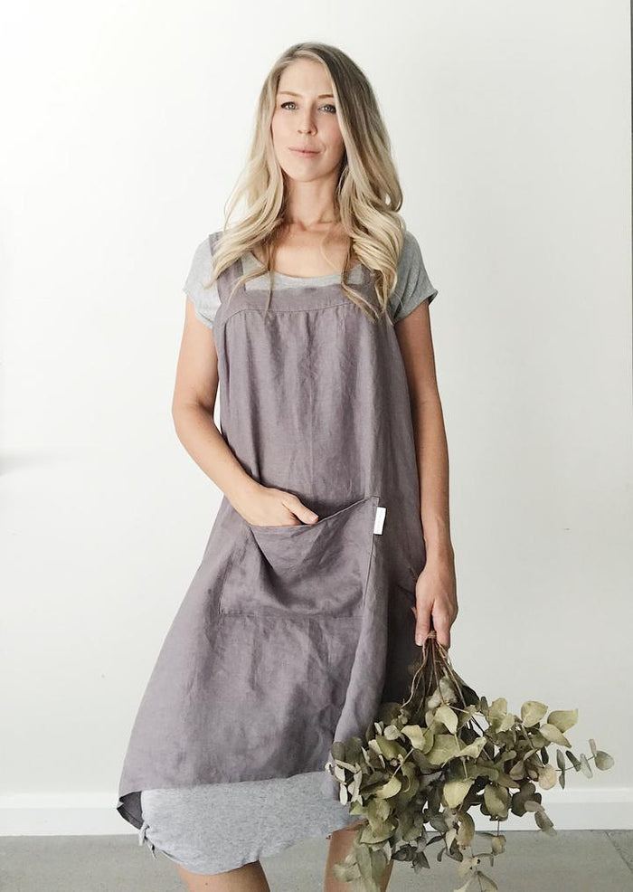 Everyday Linen Apron - Charcoal