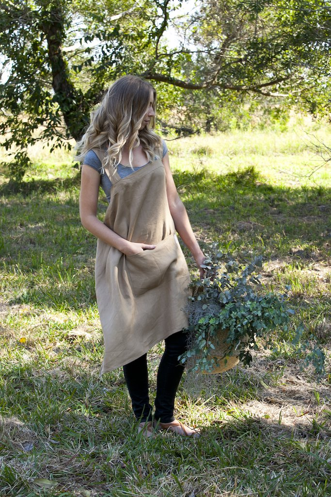 Everyday Linen Apron - Clay