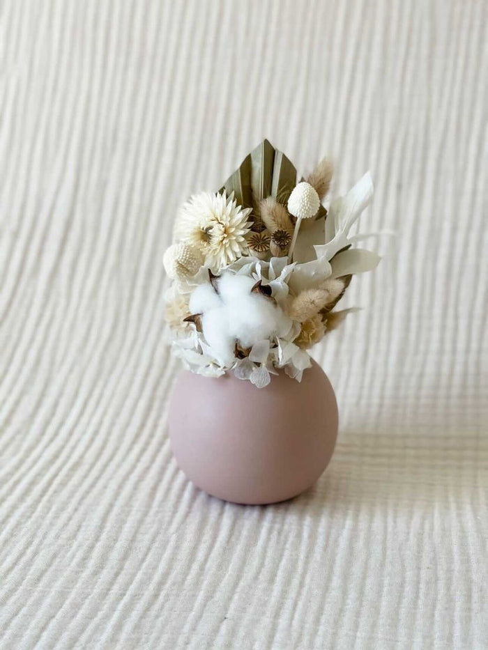 Preserved floral posy with cloud vase - Pink - Winston and Finch