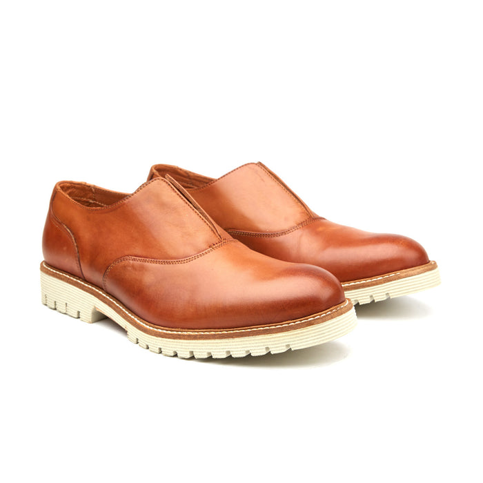 SLIP-ON BROGUE | TAN