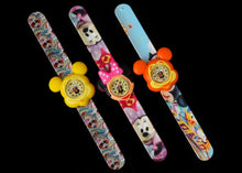 Add fun to your outfit with this Minnie Mouse slap watch. Minnie Mouse can tell the time. Perfect for little ones with big imaginations.  Battery Included Size: 8 Inches Slap Watch