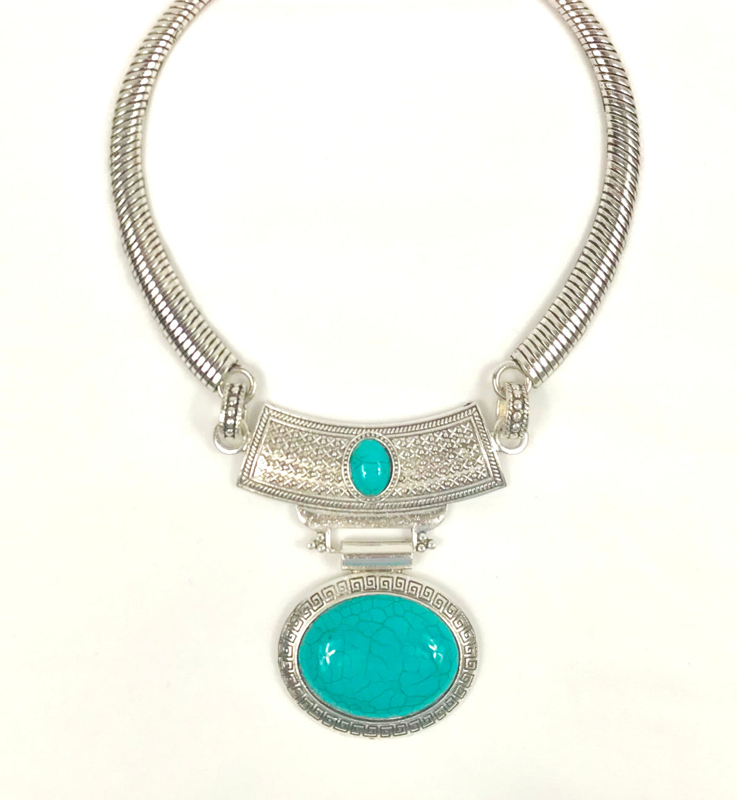 Metal Oval shaped Necklace with Blue stone