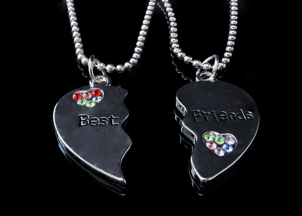 A Split Heart is Engraved With 'Best Friend' Necklace