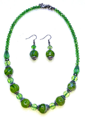 Green necklace and earrings  Ole