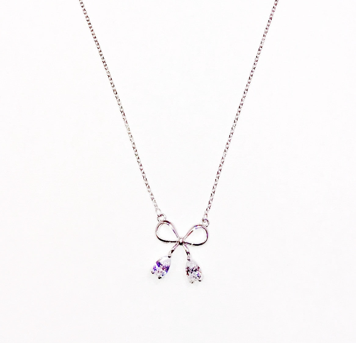 Silver Ribbon Stud Necklace    Ole