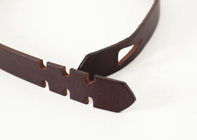 Buckle-less Belt in Brown