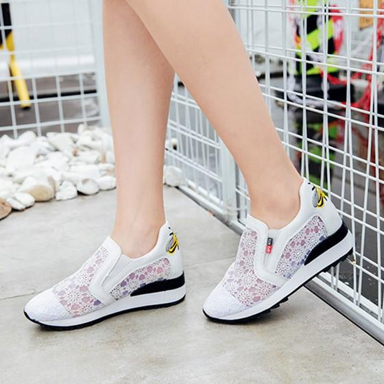 Black Round Toe Flat Lace Casual Shoes