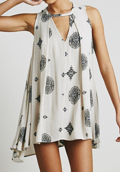 White Patchwork Cut Out Irregular Round Neck Sleeveless Mini Dress