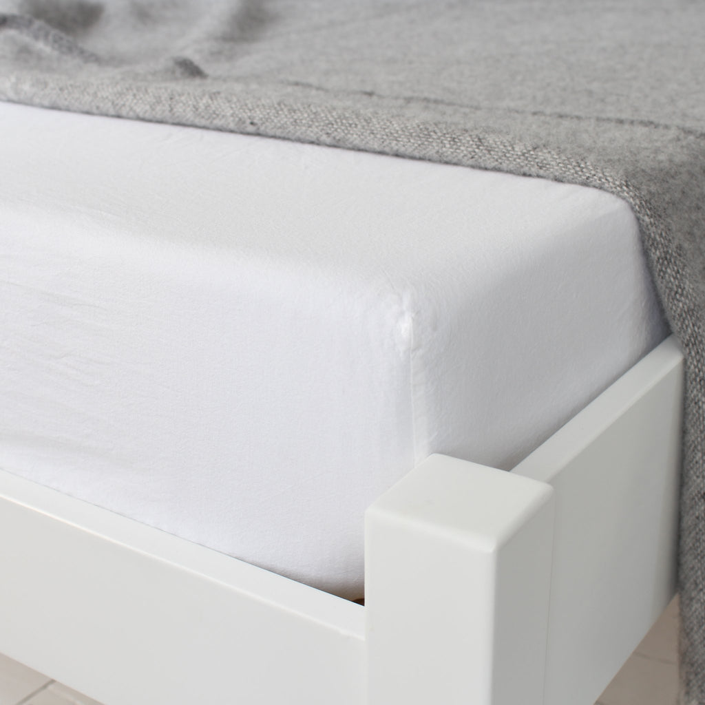 KOKO Washed Cotton Fitted Sheet White Corner View