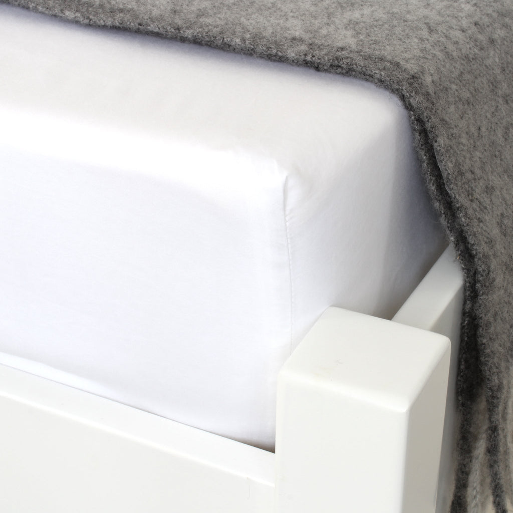 NITE Luxury Cotton Fitted Sheet White Corner Detail