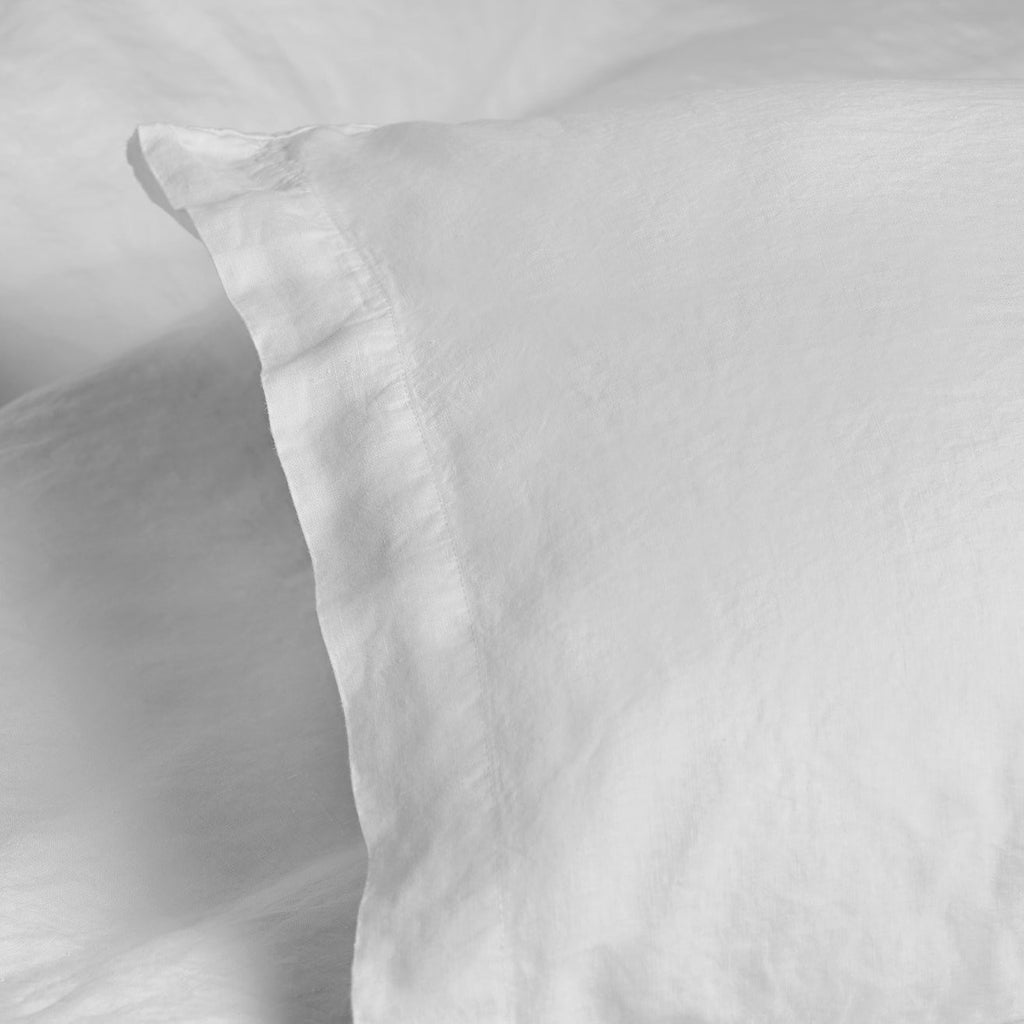 REMS Pure Linen Pillowcase White Corner Detail
