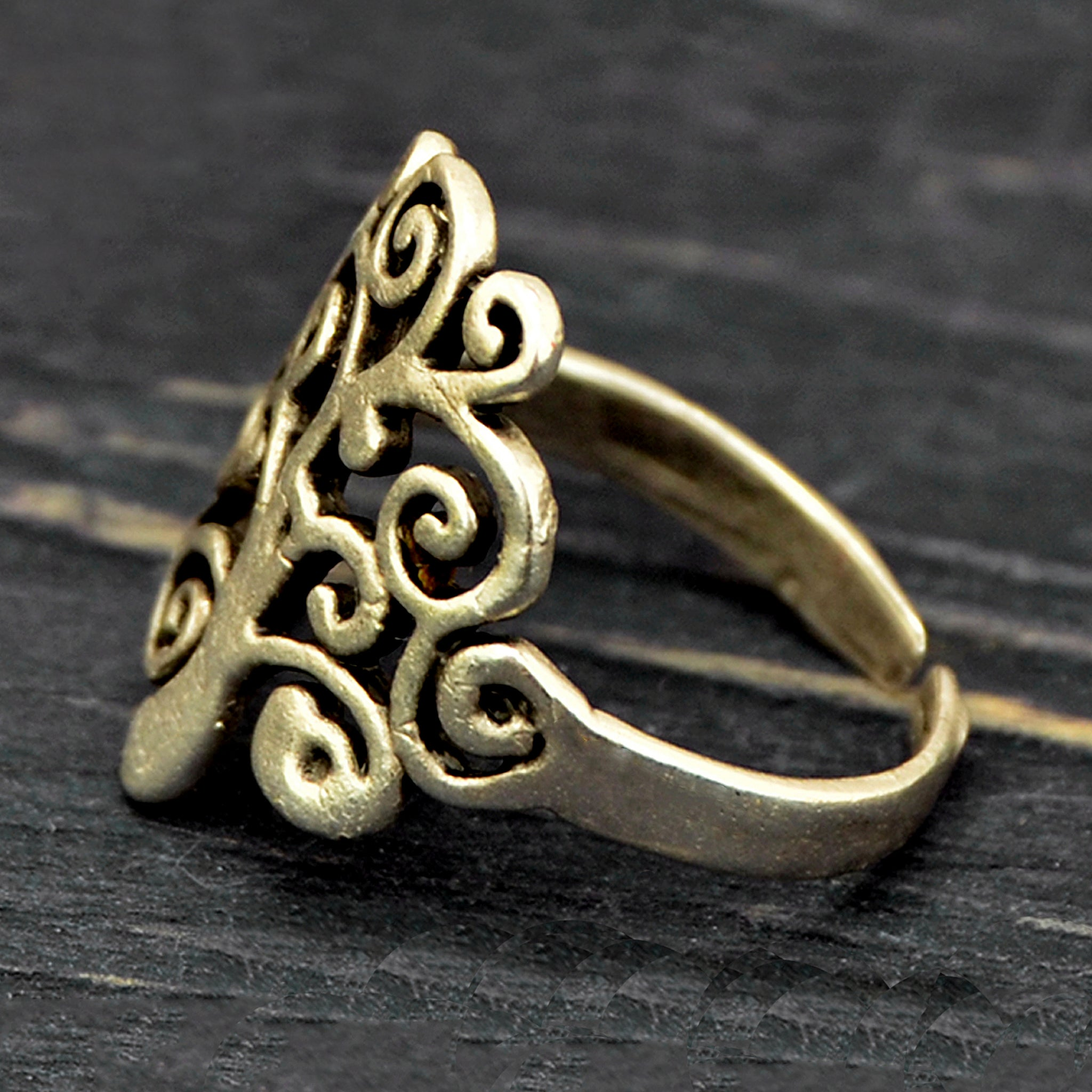 Adjustable tree of life ring