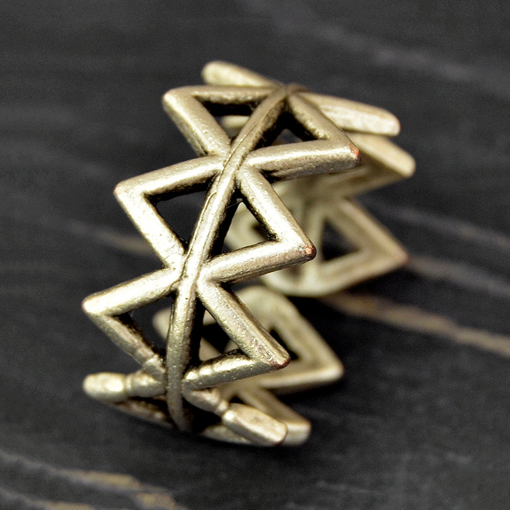 Geometric band ring