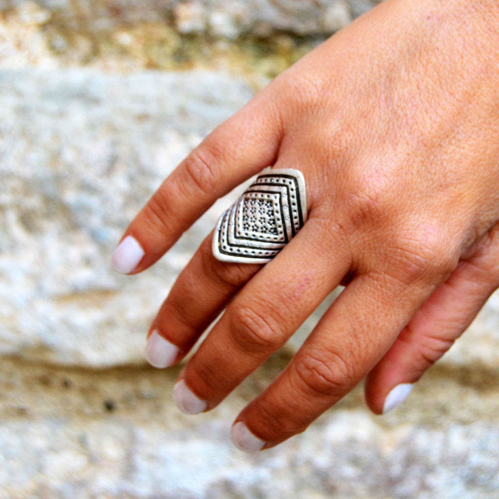 Ethnic tribal ring