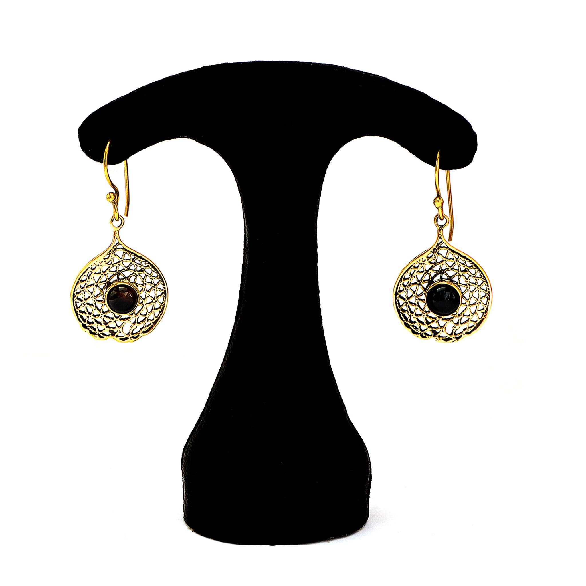 Dangle earrings with black stone