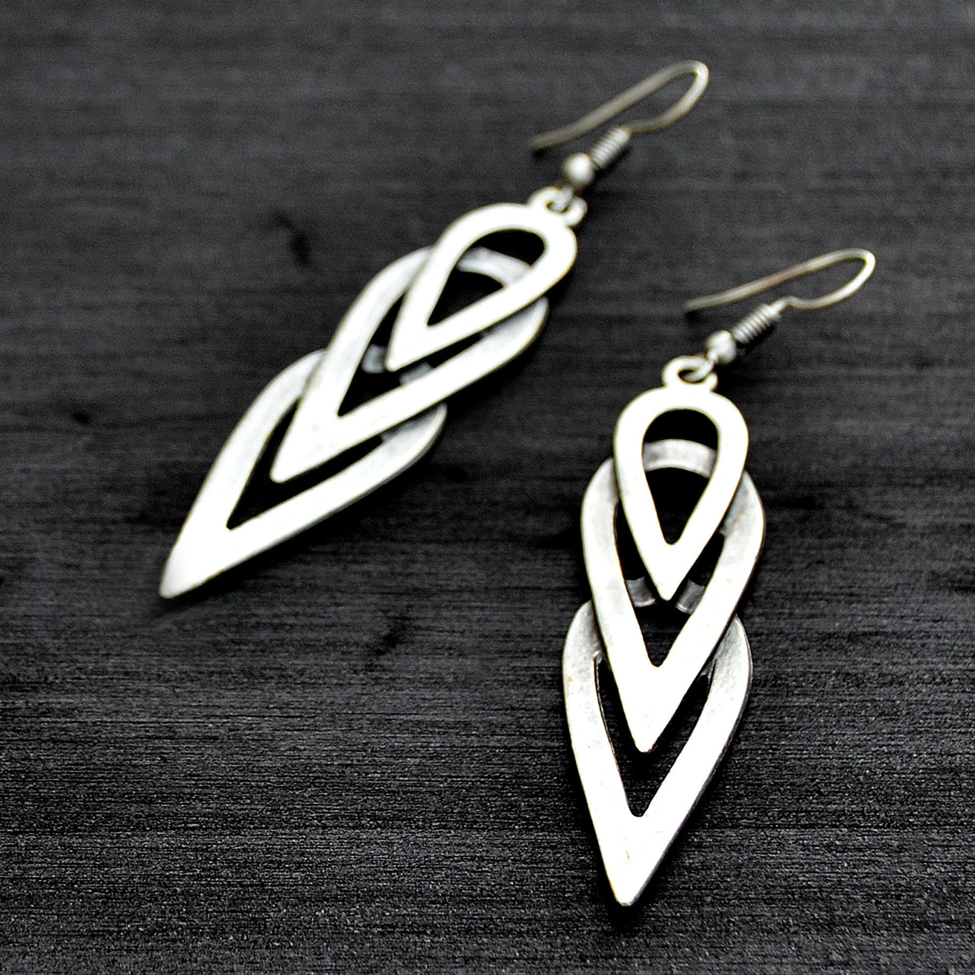 Sleek dangle earrings